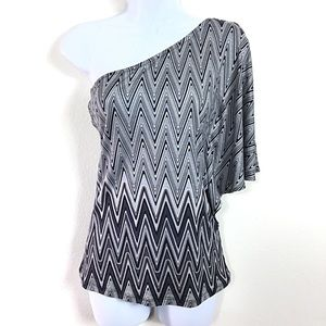 EXPRESS ZIG ZAG ONE SHOULDER TOP